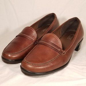 Ecco Slip On Leather Loafer Moc Toe Low Block Sz 7